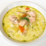 Суп из минтая для ребенка — отличная альтернатива первым блюдам на мясном бульоне